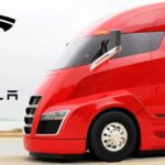 Илон Маск представил беспилотную фуру Tesla и скоростной Roadster
